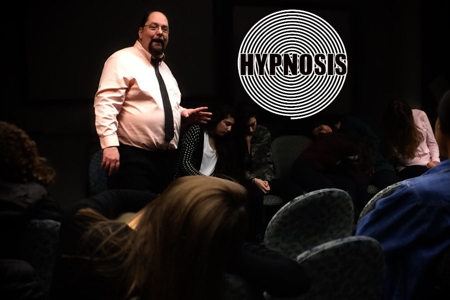 AP+Psychology+Students+Get+Hypnotized