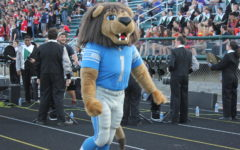 "Varsity football shuts out Clarkston in Lions ""Game of the Week"""